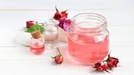 właściwości i zastosowanie wody różanej